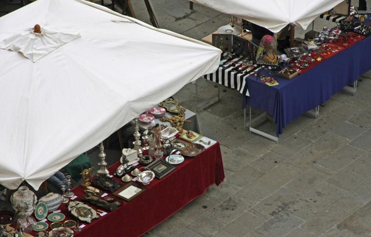 stalls of antique and vintage market