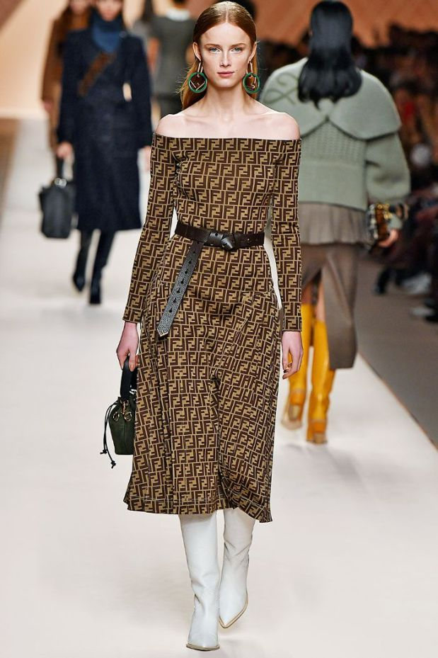 aw-18-fashion-trends-the-only-looks-you-need-to-know-2932049.700x0c
