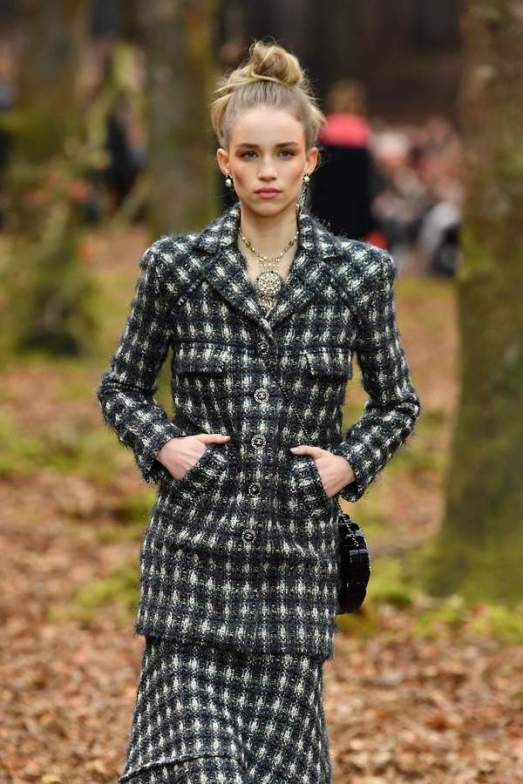 chanel-aw18-0